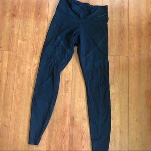 Nike Womens high waisted leggings size small